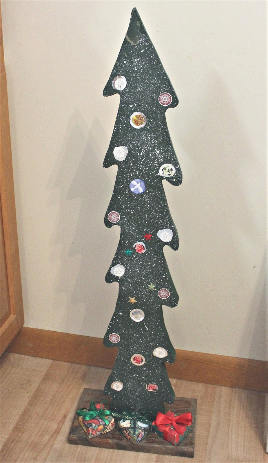 Ugly Thrift Shop Christmas Tree Upcycle   Organized Clutter