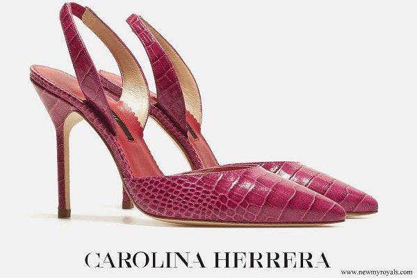Queen Letizia wore Carolina Herrera pumps