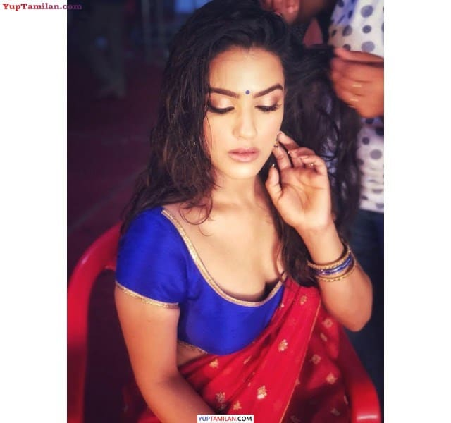 Kavya Thapar Hot Saree Photos - Sexy Cleavage Pics