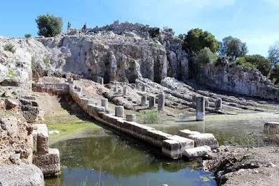 Οινιάδες: Προκατακλυσμιαία Ερείπια στο Κέντρο της Ελλάδας;