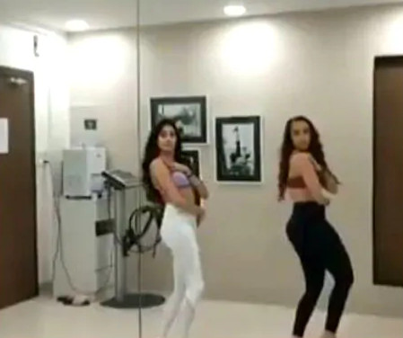 Jhanvi Kapoor did such a belly dance on 'Akh Lad Jaave', after watching the video, say wow!