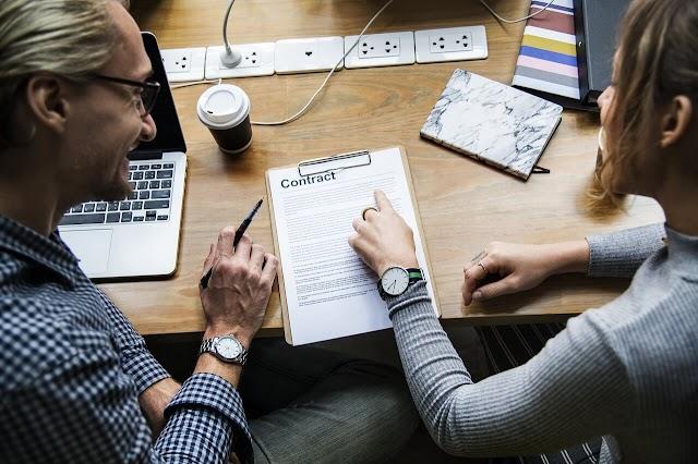 Що робити, якщо замовник не підписує акт прийому-передачі виконаних робіт (наданих послуг) та зволікає з розрахунком?