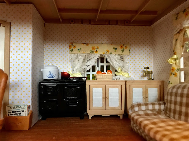 Sylvanian Families Orchard Cottage Decorated Renovated Wallpaper