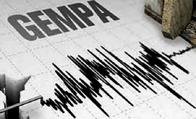 Bali Diguncang Gempa Siswa SD Berhamburan Ke Luar