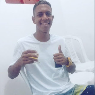 Jovem é assassinado a tiros enquanto andava de moto na Paraíba