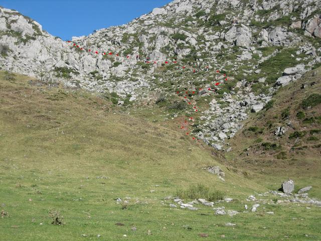 Rutas Montaña Asturias: Pequeña subida en la ruta a Peña Ubiña