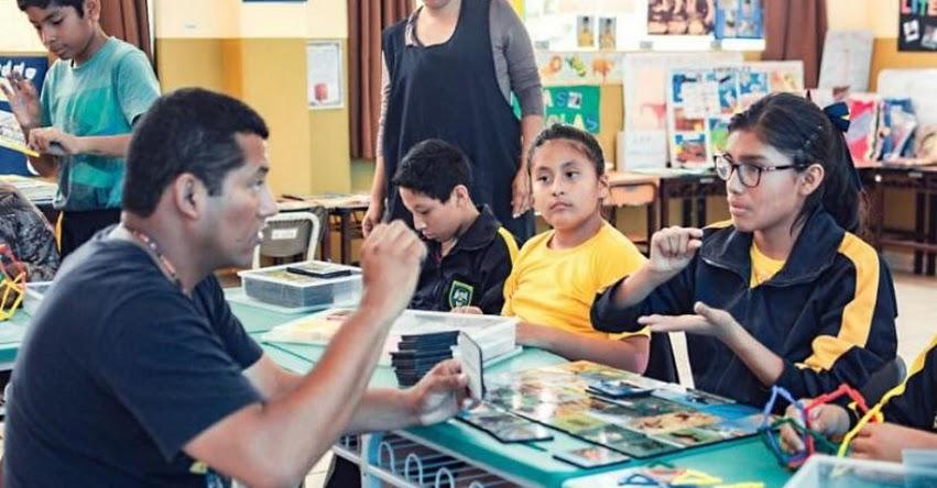 Modelos lingüísticos e intérpretes de señas garantizan educación durante la emergencia sanitaria