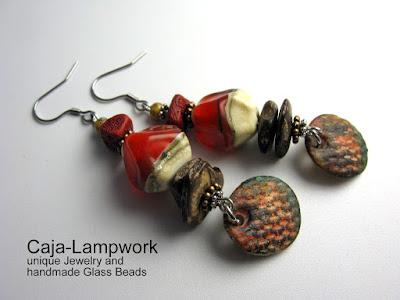 Ohrschmuck mit Glasnuggets, Koralle, Holz und Polymer Clay