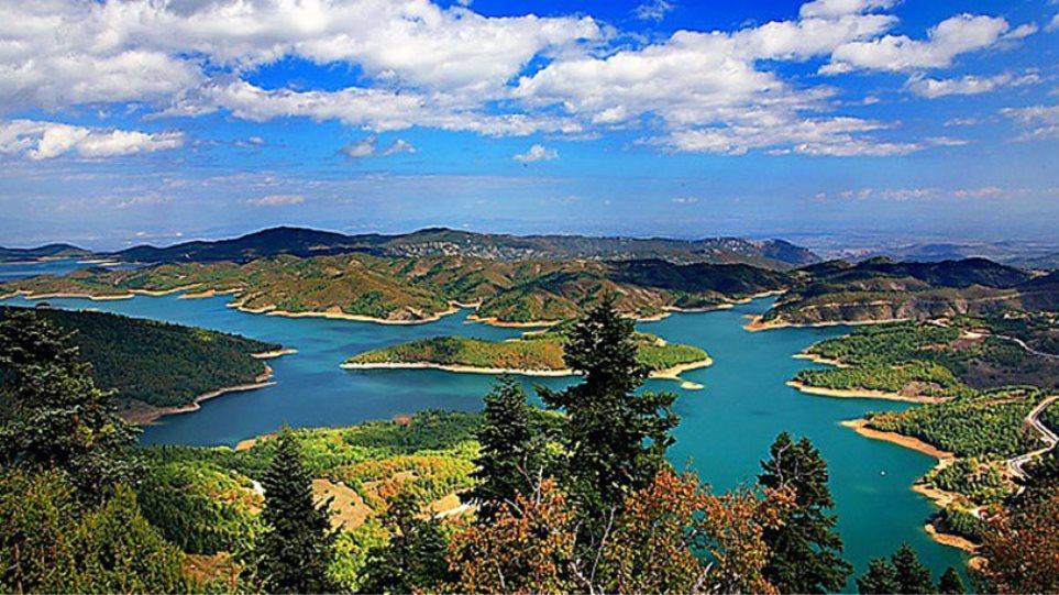 Λίμνη Πλαστήρα: Περισσότερα από 1000 δενδρύλλια κάνναβης εντοπίστηκαν σε δύσβατη περιοχή!