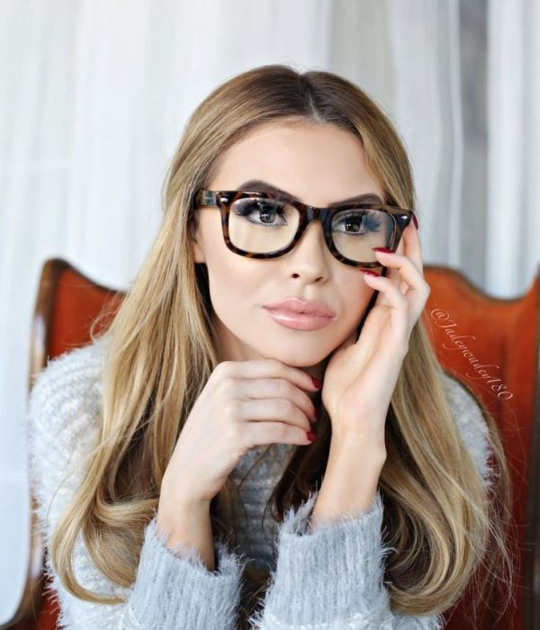 Make up tips for spectacle wearers