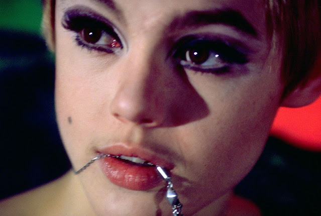 Stunning Portraits of Edie Sedgwick Photographed by Nat Finkelstein, 1966