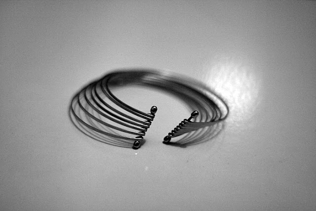 MULTI LAYER METAL BRACELET