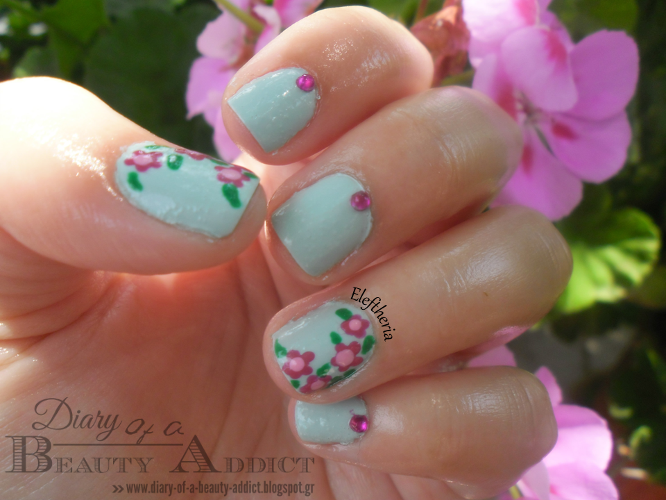 Mint with Flowers Nails ▎Simply Nails