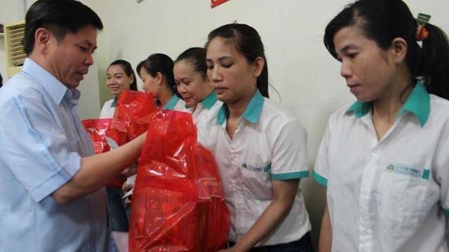 Bộ trưởng và Công đoàn Bộ Giao thông vận tải tặng quà Tết tạo Đồng Tháp