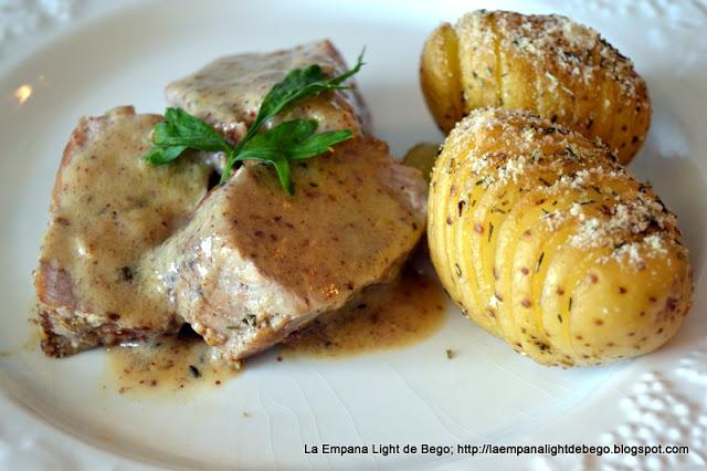 receta-de-solomillo-a-la-mostaza-con-patatas-hasselback-mini