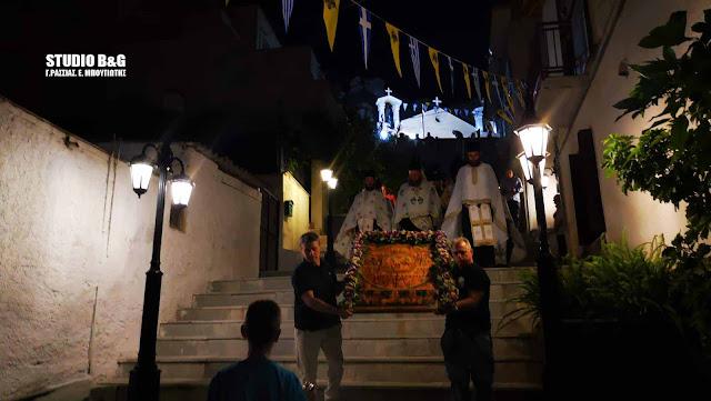 Γιορτάζει το ιστορικό σπήλαιο-εκκλησάκι των Αγίων Πάντων στο Ναύπλιο (βίντεο)