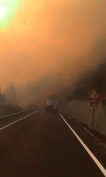 Artenara evacuada por incendio de Gran Canaria