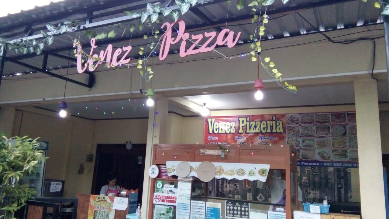 Veneez Pizza