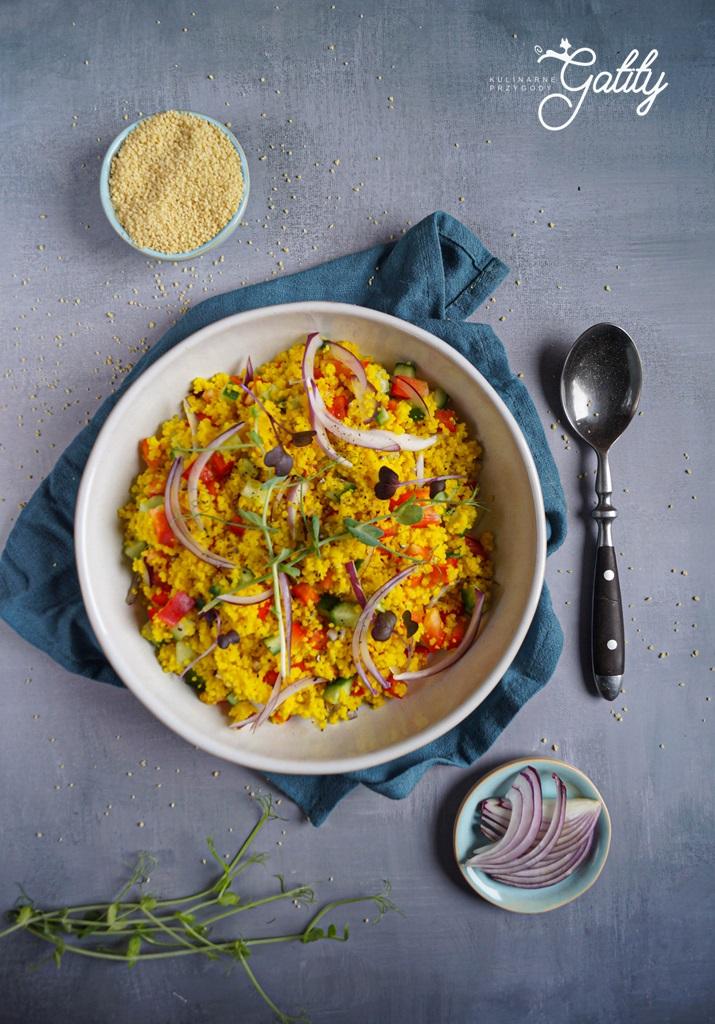 zolta-kasza-kolorowe-warzywa