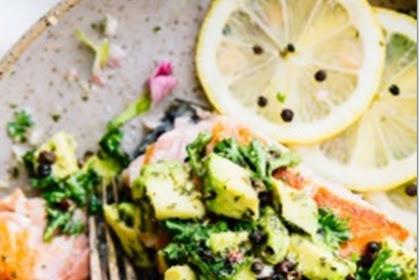 10-minute pan seared salmon with avocado gremolata