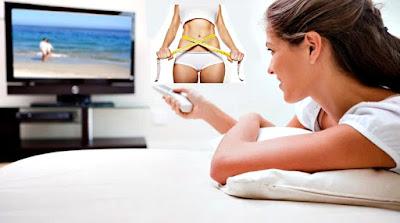 Quemar grasa viendo televisión mujer