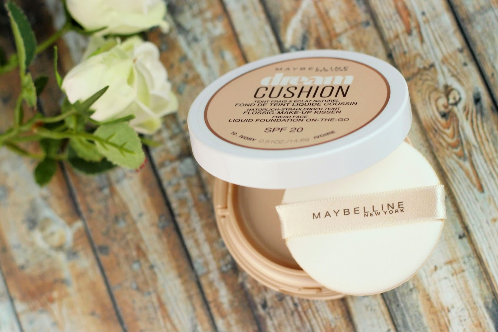 http://www.zaphiraw.de/2017/01/maybelline-dream-cushion-foundation.html