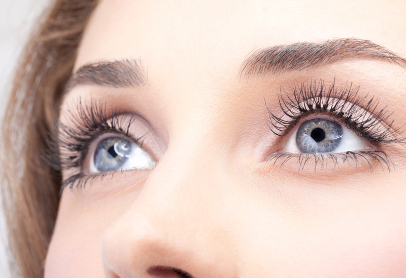 3 Beauty Hacks to Get Youthful Eyes in a Blink