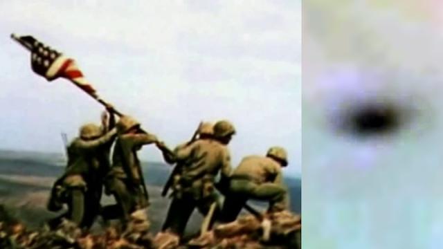 OVNI en película histórica de izada de bandera en Iwo Jima, 23 de febrero de 1945