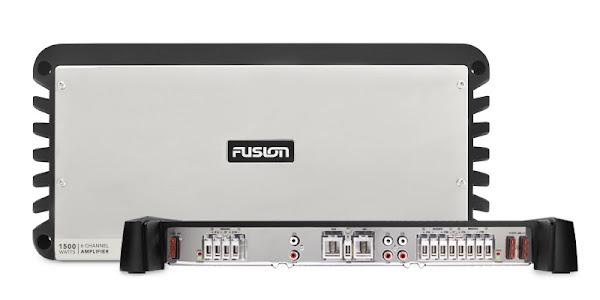 Garmin e Fusion apresentam o novo amplificador de 24V e microfone de mão MS-FHM