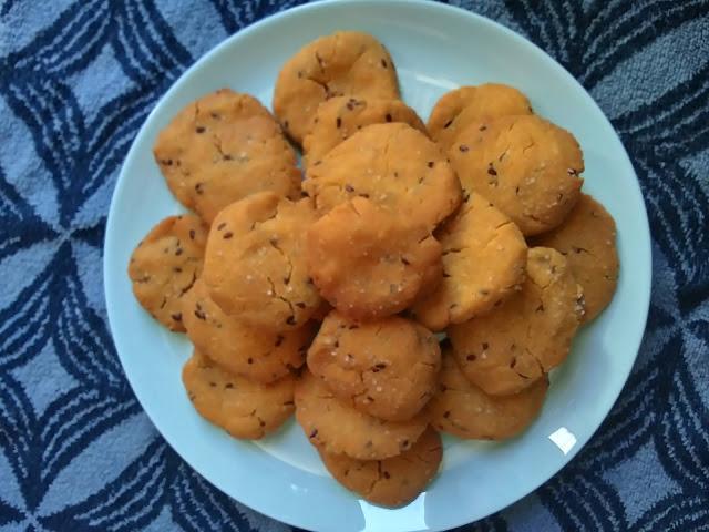 Galletas saladas de harina de maíz con semillas (sin gluten)