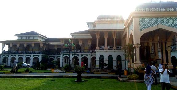 Istana Maimun di Kota Medan