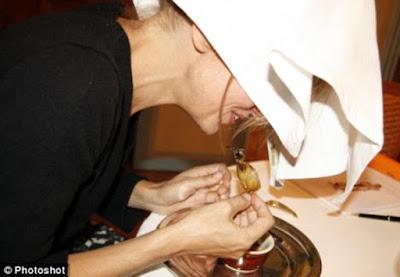 9 Makanan Ekstrem di Dunia dengan Sajian Masak Menyiksa Hewan