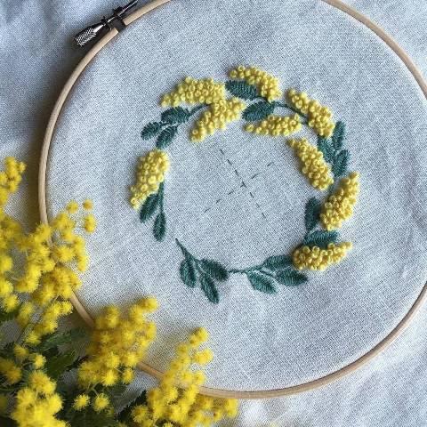 Thêu hoa bằng mũi thêu sa hạt - Hình 2