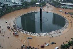 Jakarta Masih Banjir, Adhie Massardi: Gubernur Sebelum Anies Pada Ngapain Aja Sih?
