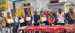 सेनापुर प्राथमिक विद्यालय में सम्मानित हुये पुरातन छात्र | #NayaSaberaNetwork