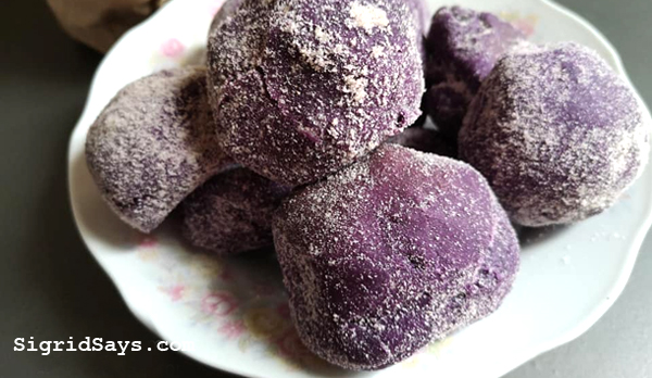 ube pandesal in Bacolod - Bacolod blogger - Bacolod food blogger - Bacolod City - Maid in Bacolod - food delivery service - breads - Bacolod bakeshop - homebakers - Bacolod homebakers - home-based business - ube pandesal recipe - cheesy ube pandesal - cheese filling
