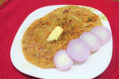 Onion Paratha - Pyaz Ka Paratha