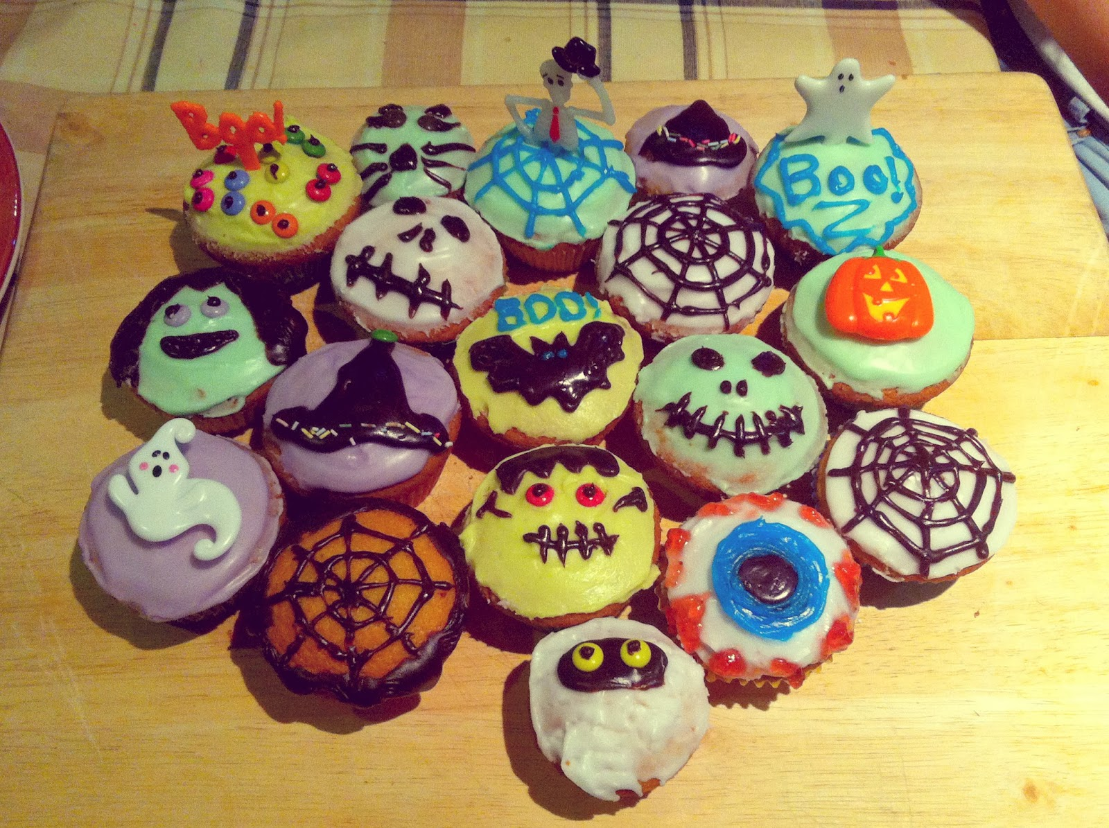 Blondie 39 s style fix october 2013 - Halloween decorations for cupcakes ...