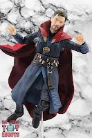 S.H. Figuarts Doctor Strange (Battle On Titan Edition) 19
