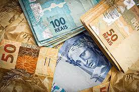 Governo propõe salário mínimo sem aumento real em 2022