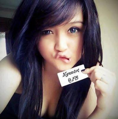 Video Bokep Ngentot Memek ABG Cantik Kenalan Di Facebook Meki Dicolok Sange Crot