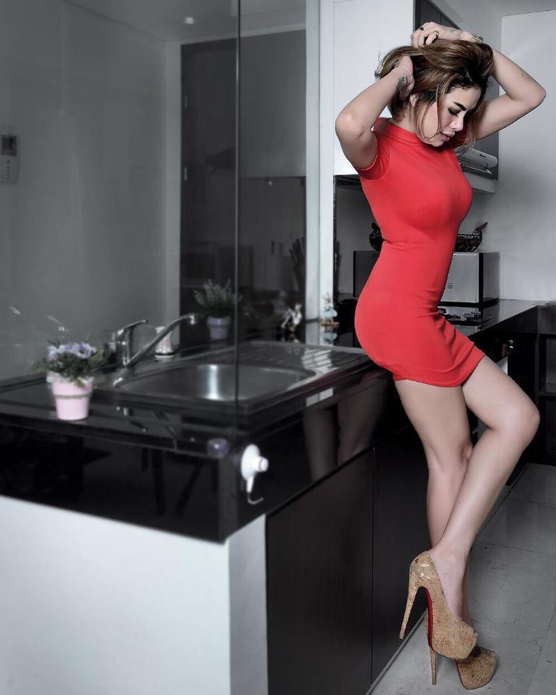 Nikita Mirzani seksi perfect Shape Body