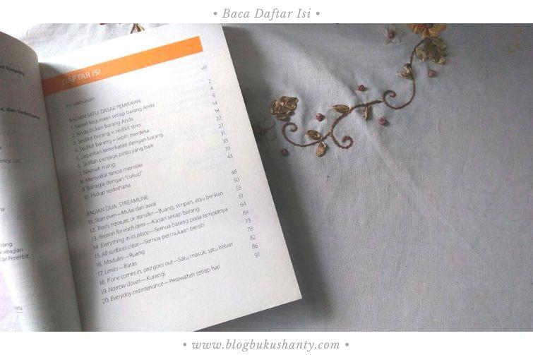 Skimming buku dengan membaca daftar isi