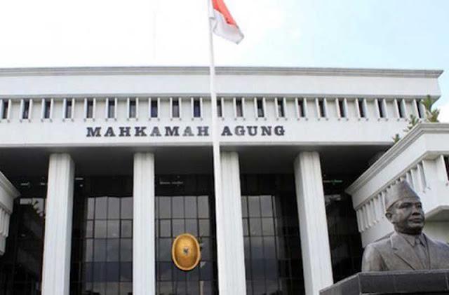Vonis Koruptor yang Disunat MA, dari Politikus sampai Hakim Konstitusi
