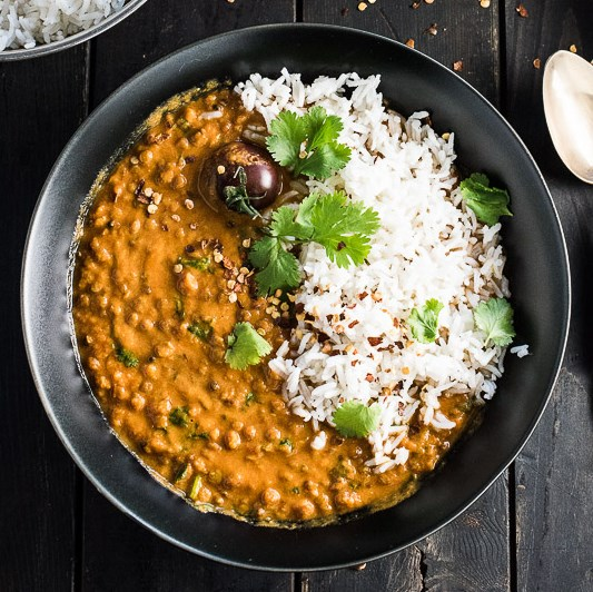 CREAMY COCONUT LENTIL CURRY #Vegetarian #Recipes