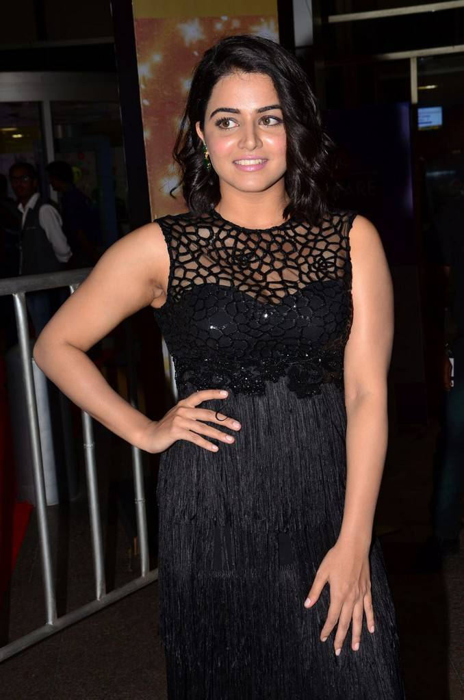 Wamiqa Gabbi At 64th Jio Filmfare Awards 2017 Photo Gallery