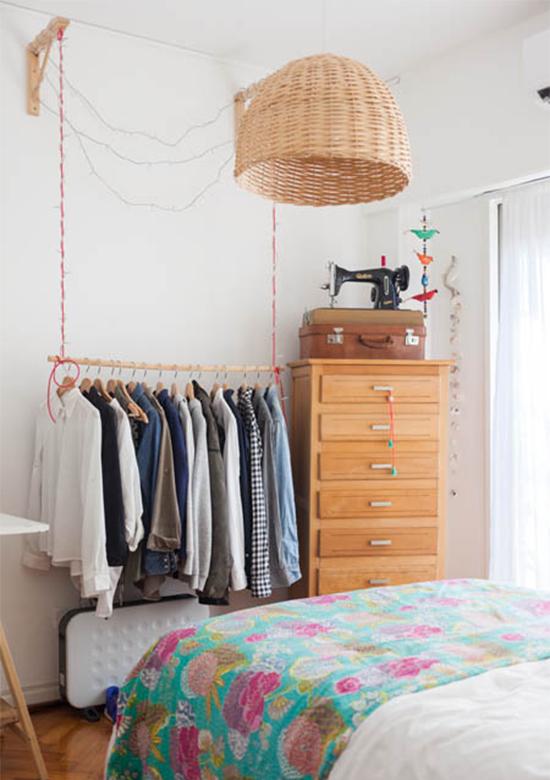 quarto de casal, arara de roupas, quarto decorado, acasaehsua, a casa eh sua, apartamento, decoração, home decor, home, interior, interior design