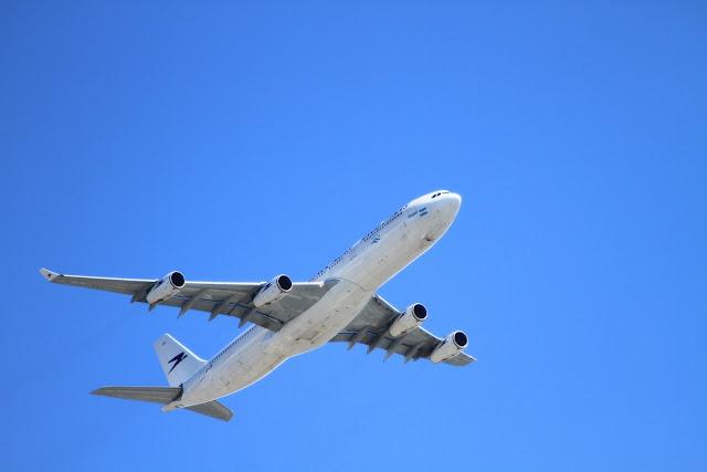 Cara Menerbangkan Pesawat
