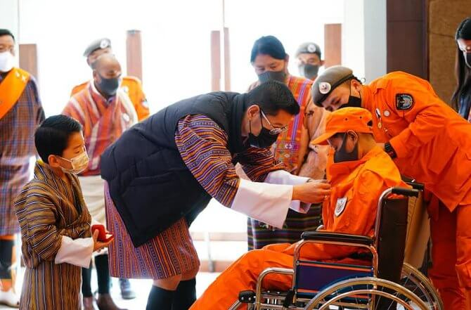 King Jigme Khesar Namgyel Wangchuck, accompanied by Queen Jetsun Pema and the Crown Prince, visited the Desuung Club House