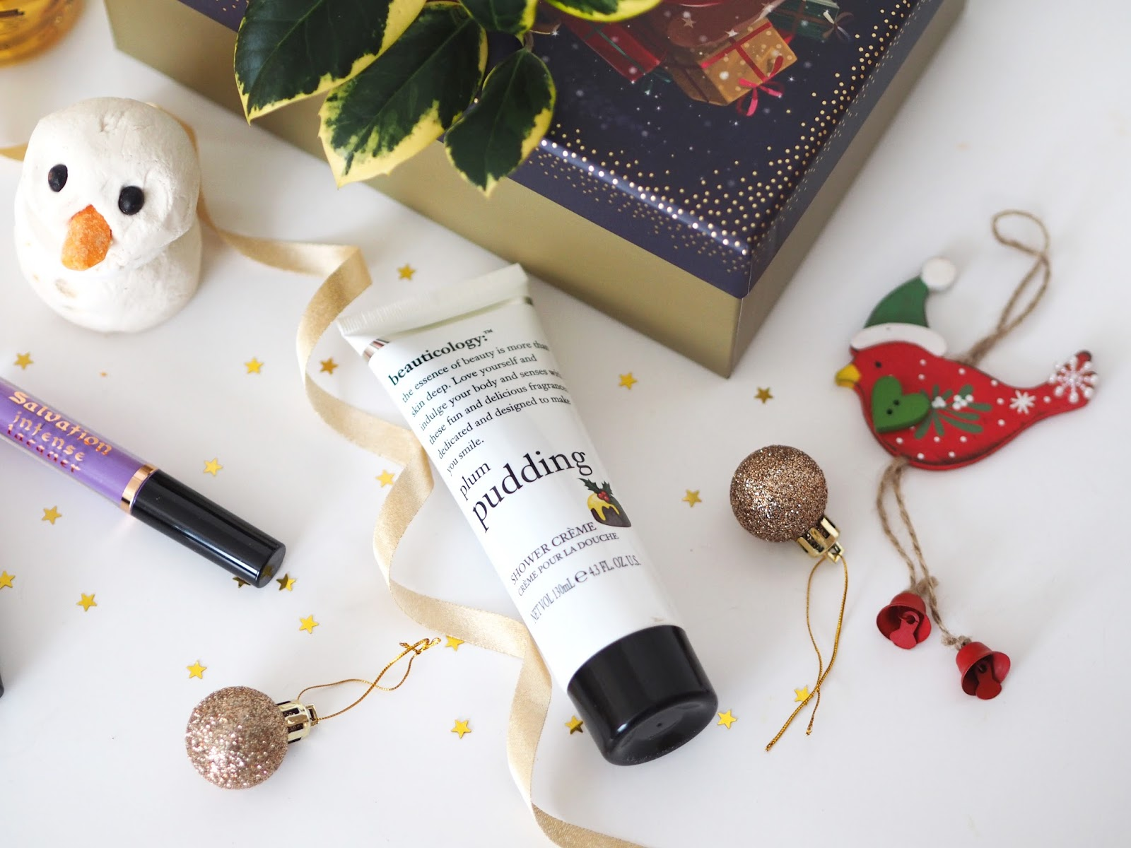 Christmas Giveaway. Katie Kirk Loves, UK Blogger, Fashion Blogger, Beauty Blogger, Giveaway, Prize, Competition, Win This, Lush Cosmetics, Lush Snowman Bubble Bar, Lush Christmas, Blog Giveaway, Make Up Revolution, Yankee Candle, Beauticology, Beauty Products, Skincare Products